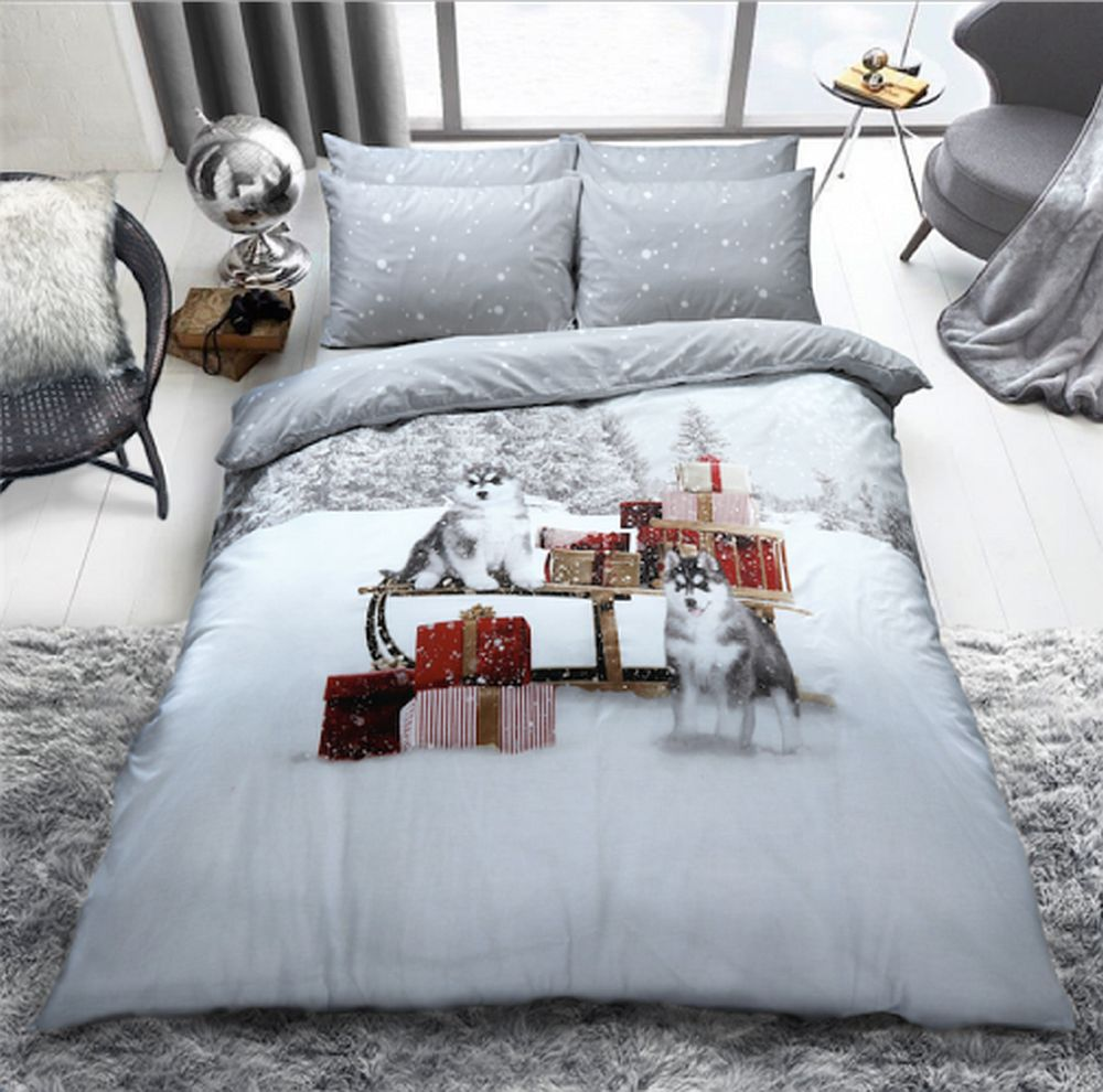 "Christmas Huskies Design ""Reversible"" Duvet Cover with Matching Pillow Case"